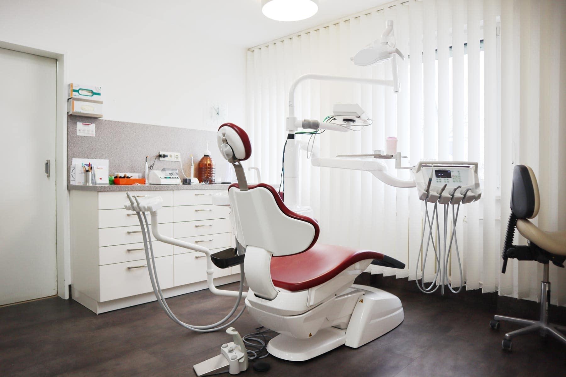 Zahnarzt Nelson Cartagena Behandlungszimmer Totale